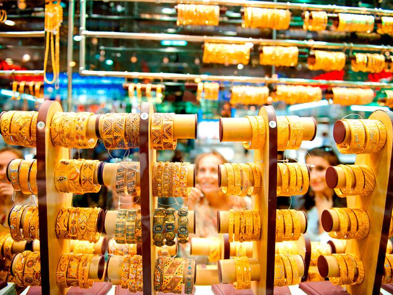 In de soukh van Dubai is veel goud te koop.