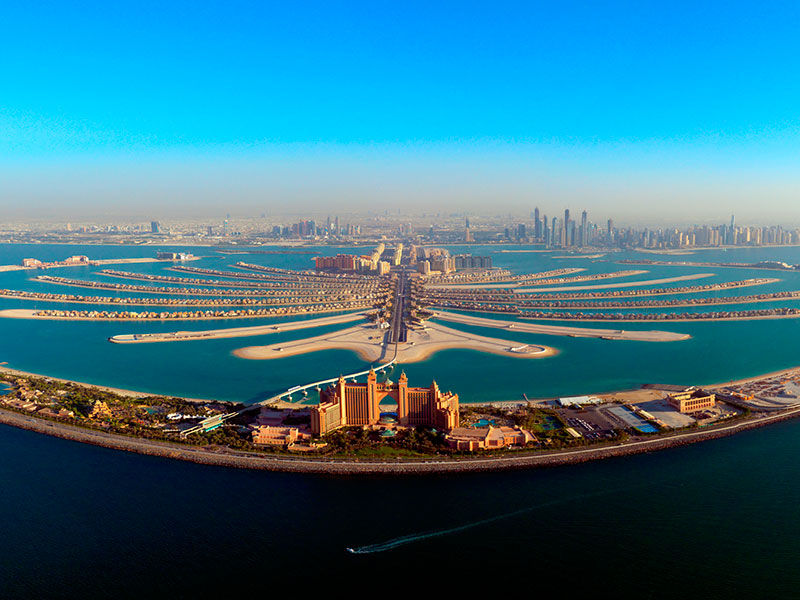 The Palm Jumeirah is een kunstmatig eiland van Dubai.