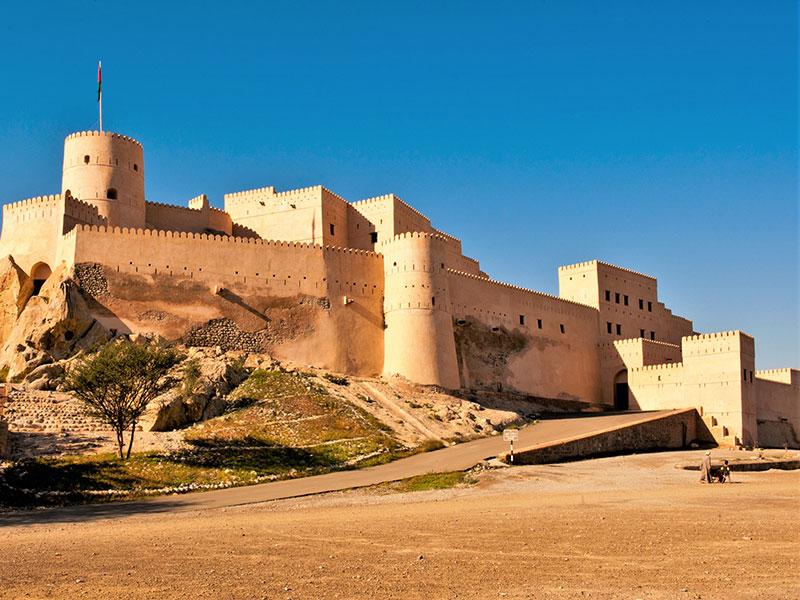 Het imposante fort in Nakhla Oman.