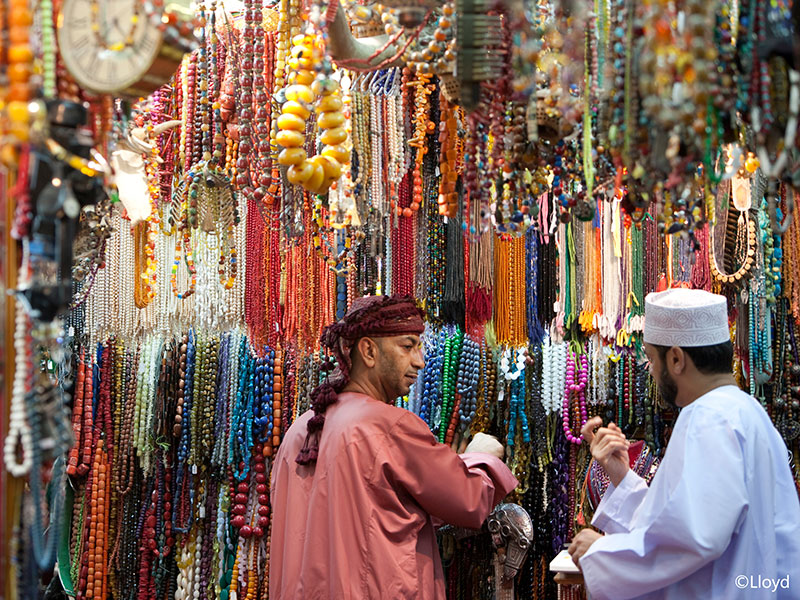Op de markt van Muscat in Oman veel sieraden.