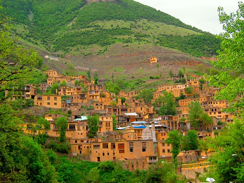 Een bergdorpje in het binnenland van Iran.