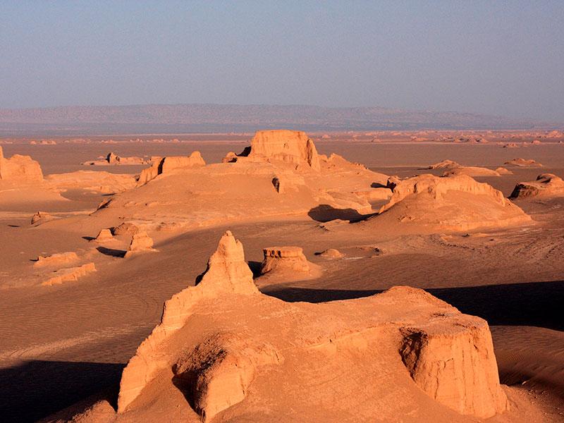 Kaluts zijn ontstaan door erosie in de woestijnen van Iran