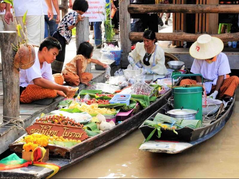 De drijvende markt bezoekt u ook op deze reis