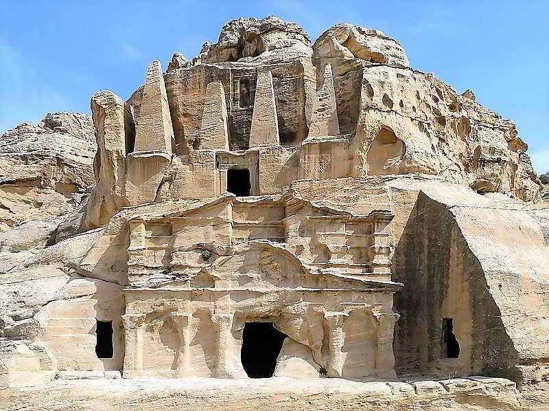 Het mysterieuze landschap en de oude architectuur zal u blijven verbazen in egypte in jordanie