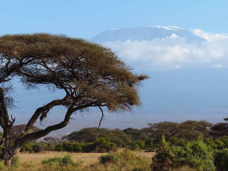 Neem uw tijd om te ontspannen tijdens uw vakantie, met het landschap van tanzania om u heen