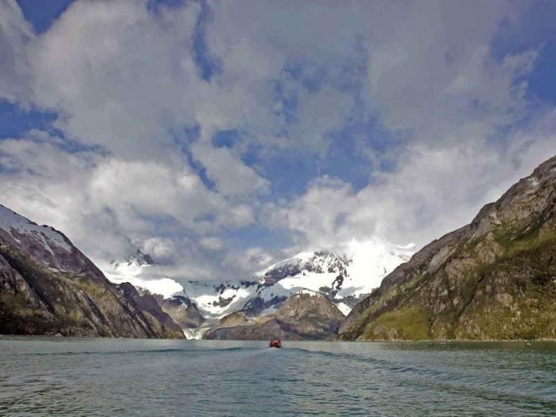 Het landschap van meer en bergen in Chili