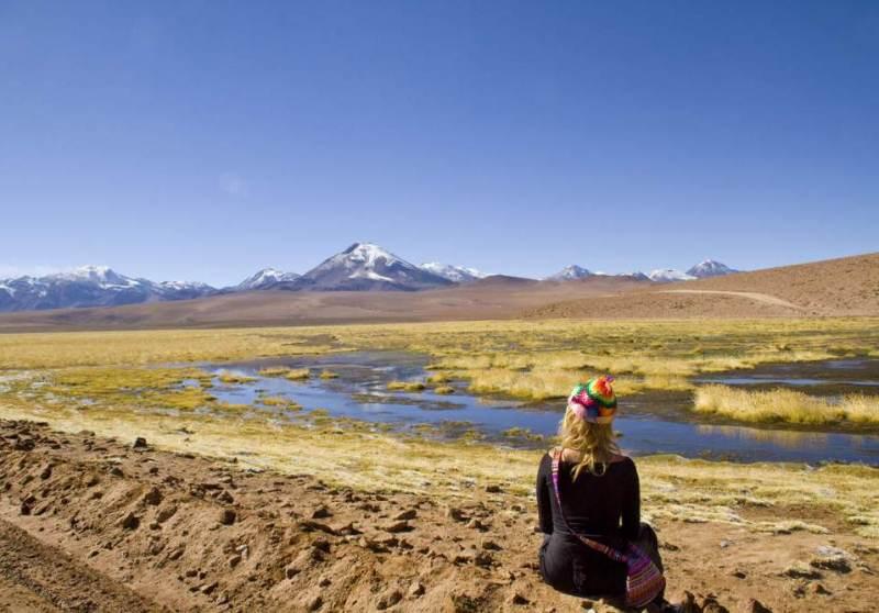 Het uitzicht van Chili met bergen en landschap