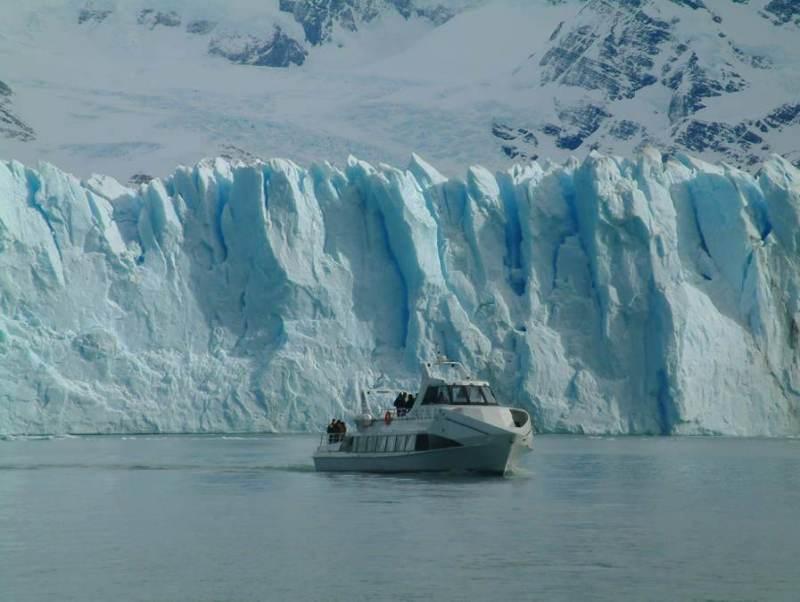 De blauwe gletsjers die u tegenkomt tijdens uw autorondreis