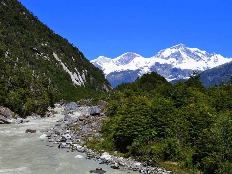 Tijdens uw autorondreis Chili en Argentinië door Patagonië gaat u veel berglandschappen tegenkomen.