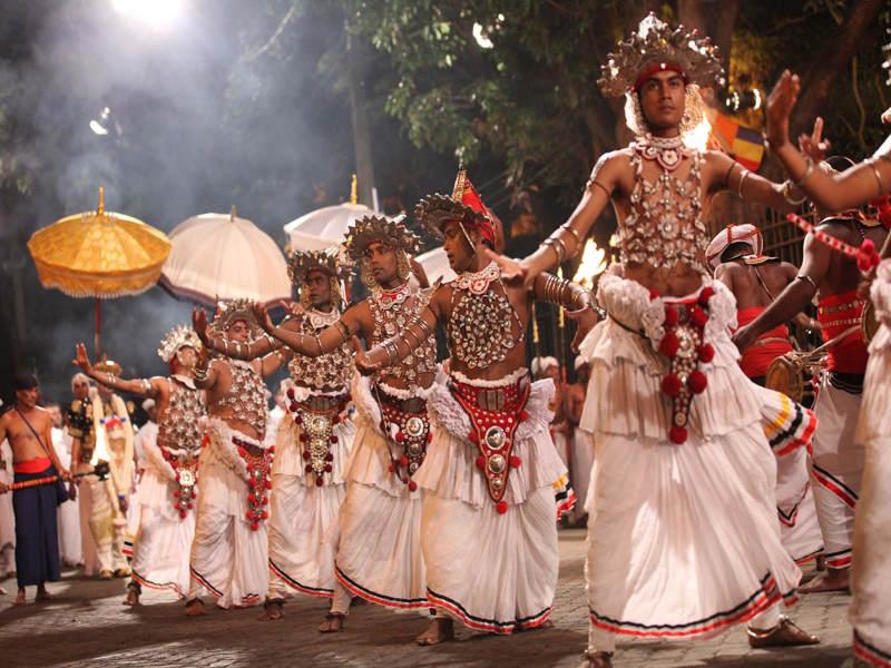 Tijdens uw rondreis door Sri Lanka kunt u kijken naar het Festival of the tooth