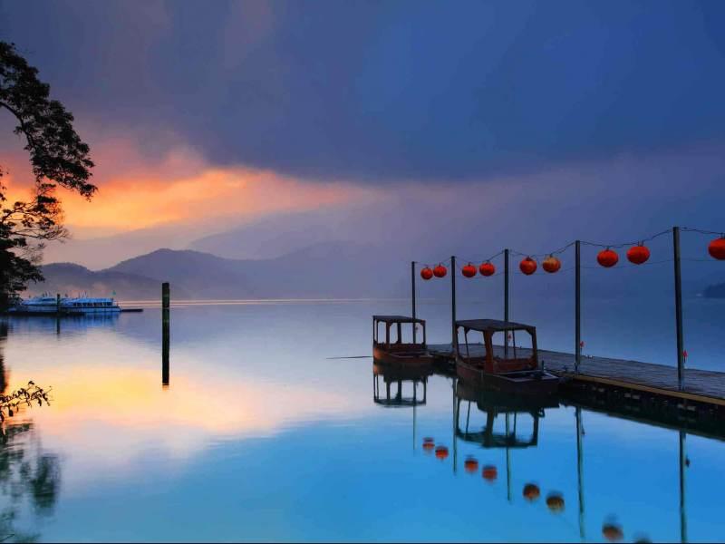 Taiwan is een land met een grote steden en mooie natuur ideal voor rondreizen dus.
